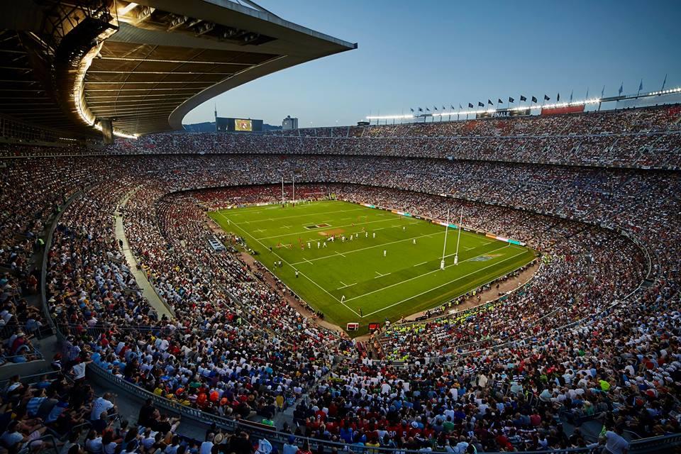 Το κατάμεστο Camp Nou, μυθικός τόπος διεξαγωγής ενός μυθικού αγώνα.
